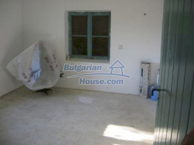 12251:4 - Huge lovely property with three houses and garden near Vratsa