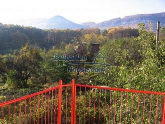 12251:15 - Huge lovely property with three houses and garden near Vratsa