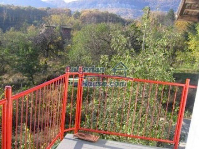 12251:16 - Huge lovely property with three houses and garden near Vratsa