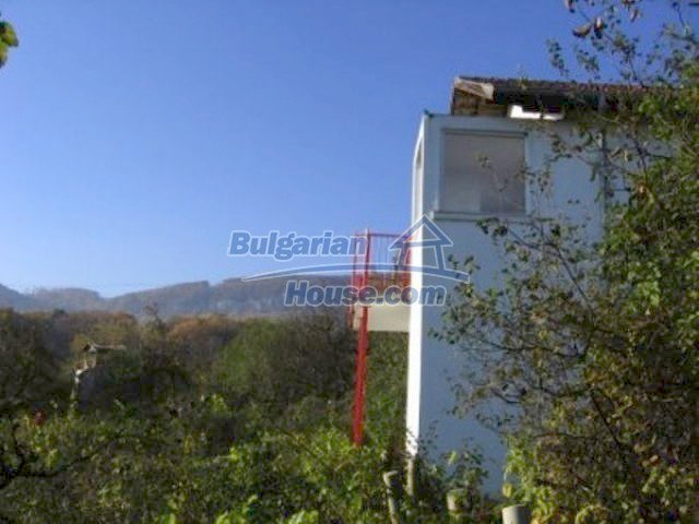 12251:17 - Huge lovely property with three houses and garden near Vratsa