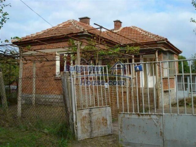 12263:2 - Low-priced house with large garden in village near Elhovo