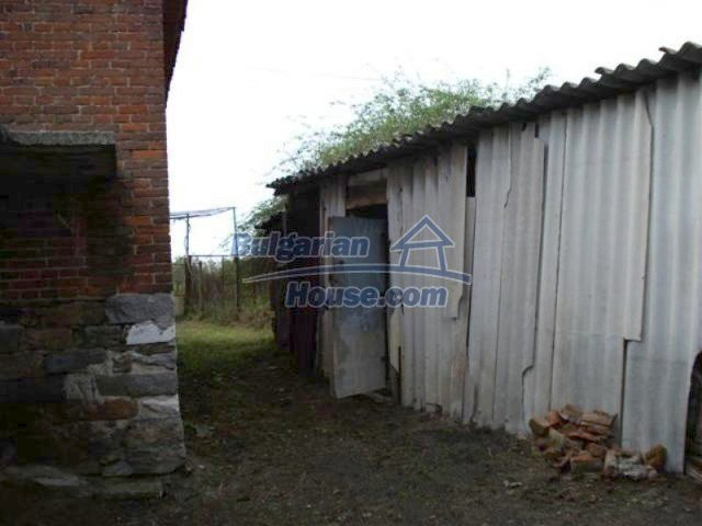 12263:5 - Low-priced house with large garden in village near Elhovo