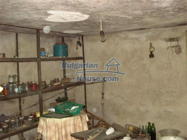 12263:6 - Low-priced house with large garden in village near Elhovo