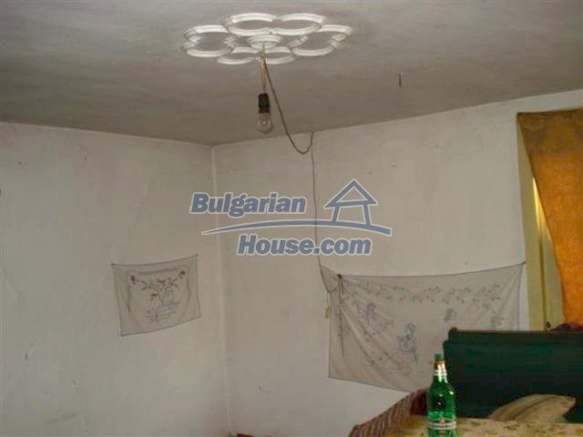 12263:7 - Low-priced house with large garden in village near Elhovo
