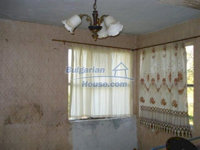 12272:11 - Low-priced and functional house near Elhovo town