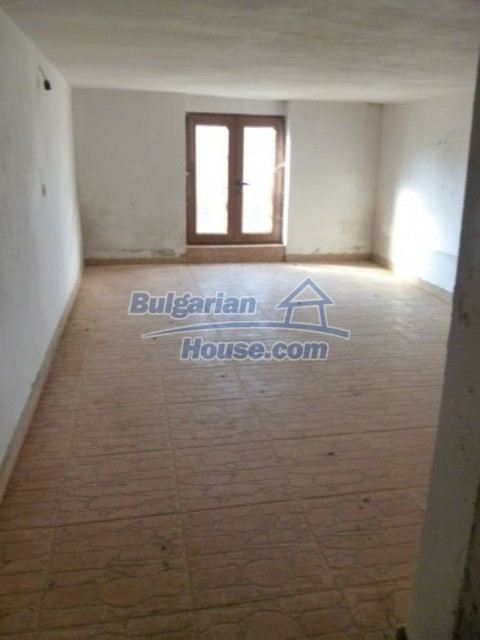 12279:32 - Sunny house with furniture and garden near Vratsa – lovely views