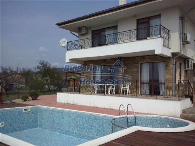 12284:1 - Luxury seaside house with swimming pool near Pomorie