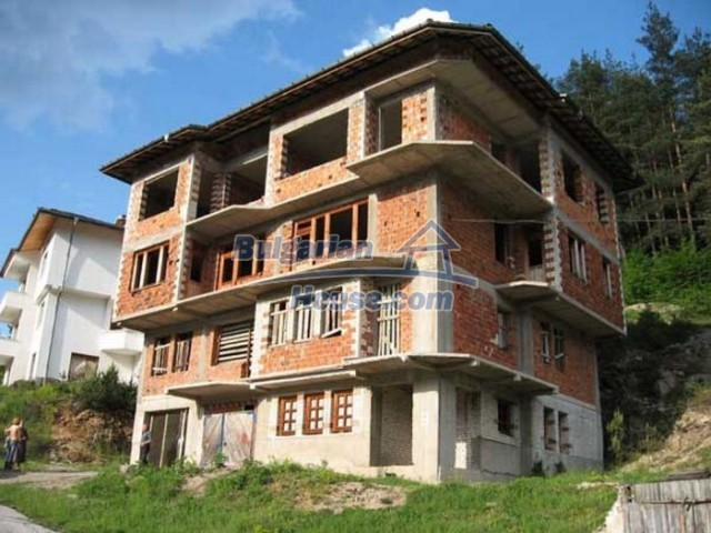 12298:1 - Bulgarian property suitable for hotel,large house,49km-Pamporovo