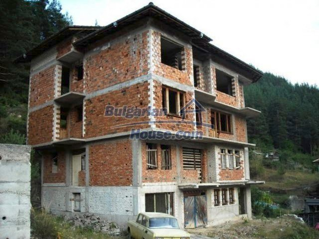 12298:2 - Bulgarian property suitable for hotel,large house,49km-Pamporovo