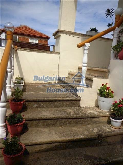 12207:35 - Fantastic furnished house with pool and garden near Sungurlare