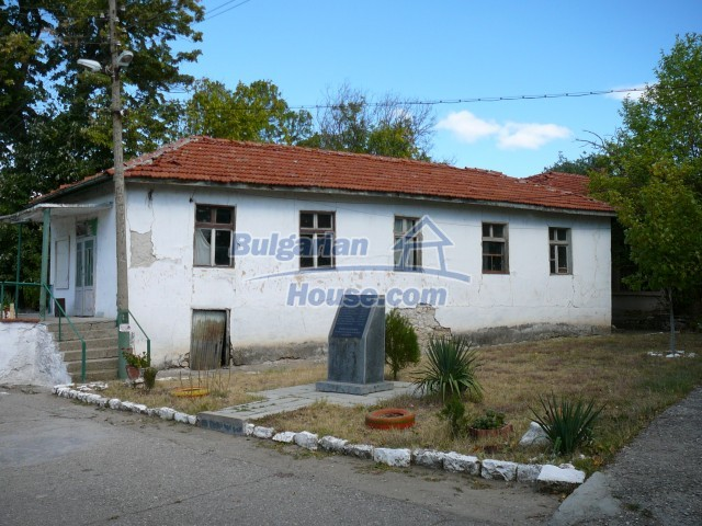 2774:1 - Former school for sale near Stara Zagora in Zlatna Livada