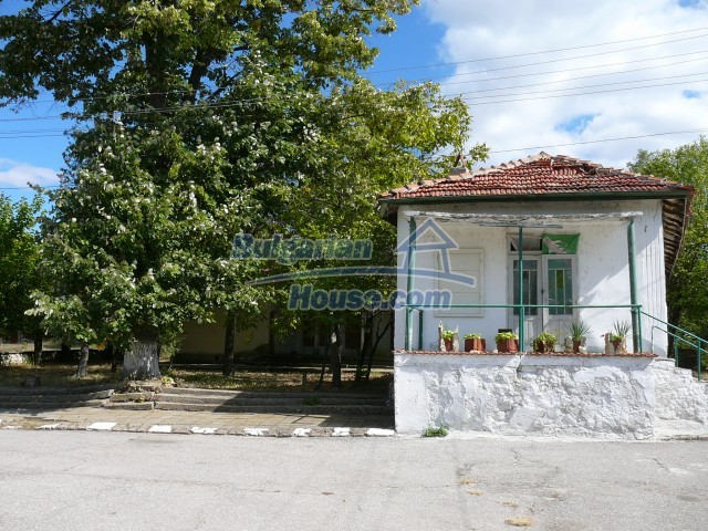 2774:15 - Former school for sale near Stara Zagora in Zlatna Livada
