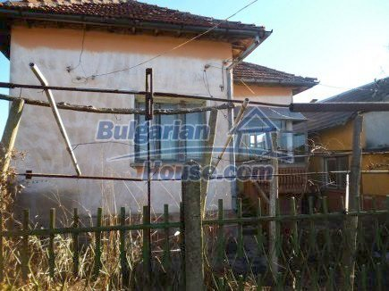 12360:4 - Partly renovated Bulgarian property for sale in Vrtasa region
