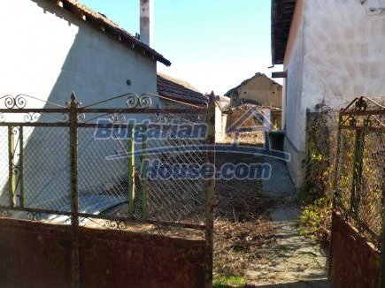 12360:6 - Partly renovated Bulgarian property for sale in Vrtasa region