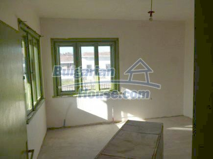 12360:9 - Partly renovated Bulgarian property for sale in Vrtasa region