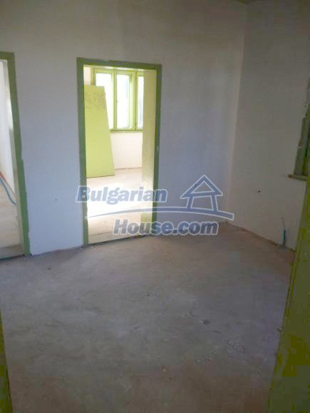 12360:10 - Partly renovated Bulgarian property for sale in Vrtasa region