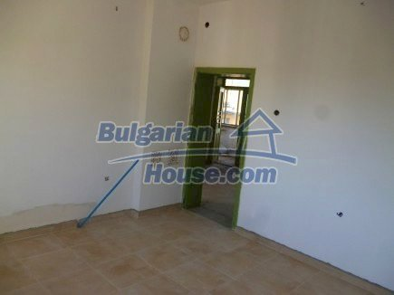 12360:15 - Partly renovated Bulgarian property for sale in Vrtasa region
