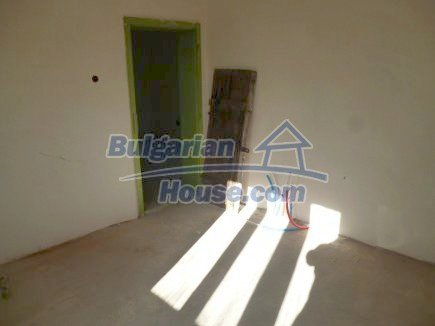 12360:17 - Partly renovated Bulgarian property for sale in Vrtasa region
