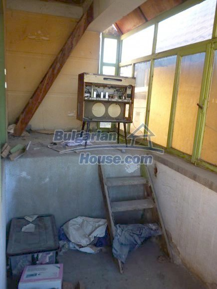 12360:19 - Partly renovated Bulgarian property for sale in Vrtasa region