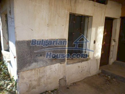 12360:24 - Partly renovated Bulgarian property for sale in Vrtasa region