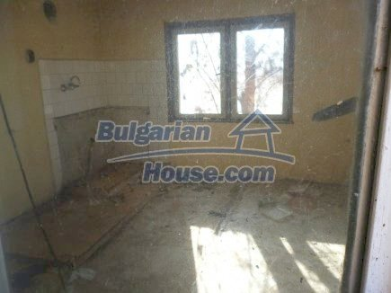 12360:26 - Partly renovated Bulgarian property for sale in Vrtasa region