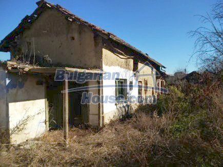 12360:27 - Partly renovated Bulgarian property for sale in Vrtasa region