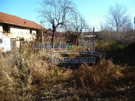 12360:28 - Partly renovated Bulgarian property for sale in Vrtasa region