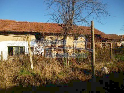 12360:29 - Partly renovated Bulgarian property for sale in Vrtasa region