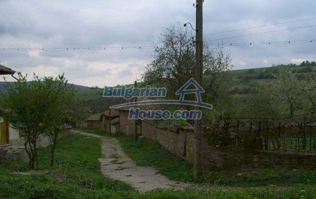 12366:17 - BARGAIN:Two Bulgarian properties in one village low price