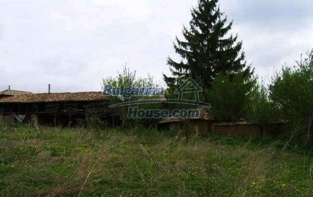 12366:19 - BARGAIN:Two Bulgarian properties in one village low price