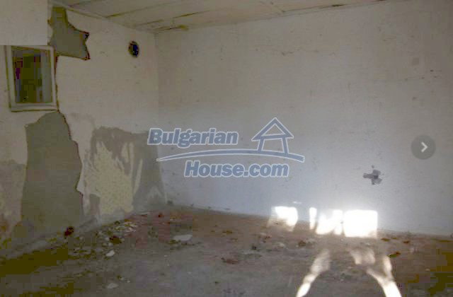 12366:26 - BARGAIN:Two Bulgarian properties in one village low price