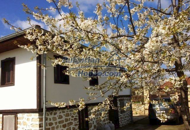 12375:3 - Traditional Bulgarian house with swimming pool ,Veliko Tarnovo