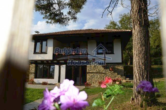 12383:9 - Lovely traditional Bulgarian house near two fishing lakes, Gabro