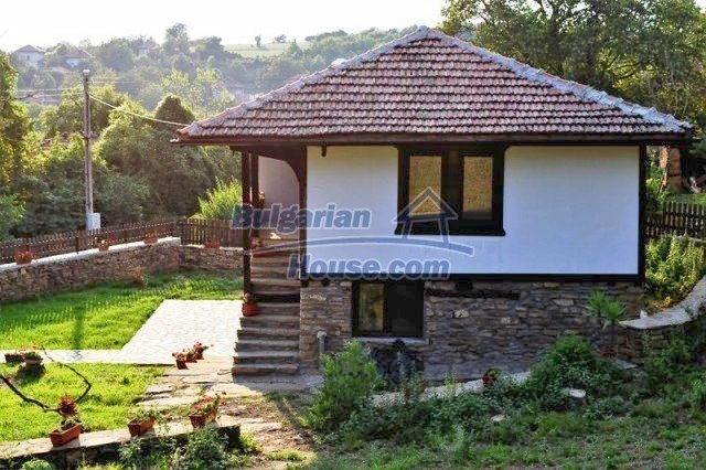 12383:14 - Lovely traditional Bulgarian house near two fishing lakes, Gabro