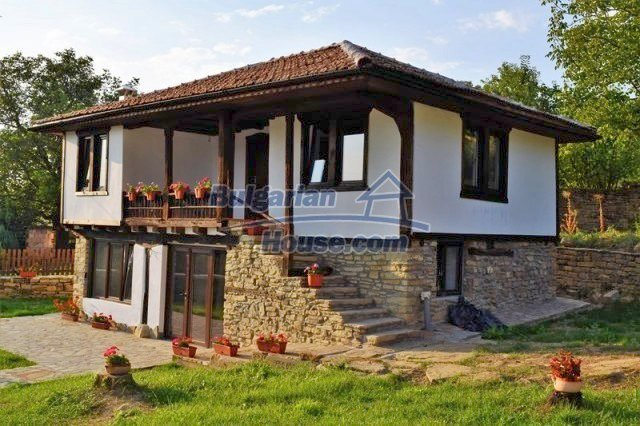 12383:16 - Lovely traditional Bulgarian house near two fishing lakes, Gabro