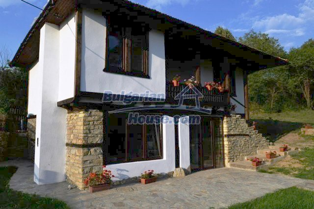 12383:17 - Lovely traditional Bulgarian house near fishing lakes, Gabrovo