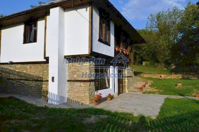 12383:18 - Lovely traditional Bulgarian house near two fishing lakes, Gabro
