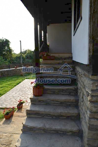 12383:19 - Lovely traditional Bulgarian house near two fishing lakes, Gabro