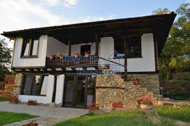 12383:49 - Lovely traditional Bulgarian house near two fishing lakes, Gabro
