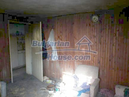 12398:13 - Cheap Bulgarian house 25km from Vratsa in a quiet area