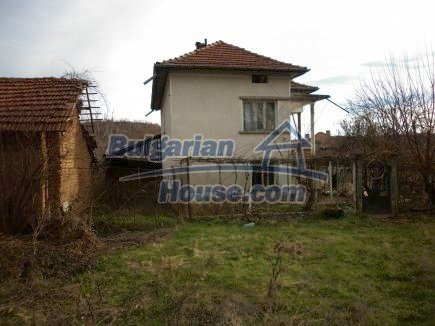 12398:8 - Cheap Bulgarian house 25km from Vratsa in a quiet area