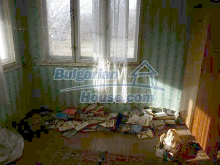 12398:17 - Cheap Bulgarian house 25km from Vratsa in a quiet area