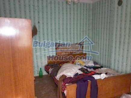 12398:18 - Cheap Bulgarian house 25km from Vratsa in a quiet area