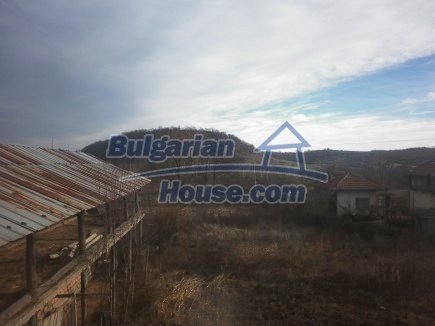 12398:28 - Cheap Bulgarian house 25km from Vratsa in a quiet area