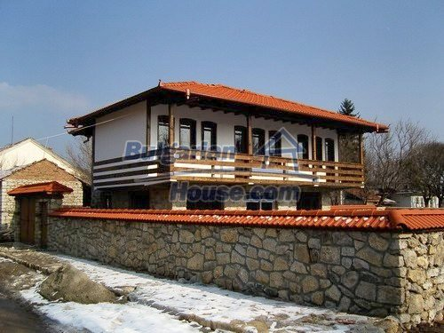 12409:4 - Traditional Bulgarian house near Veliko Tarnovo. Excellent price