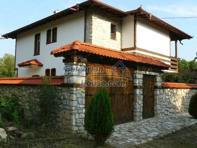 12409:5 - Traditional Bulgarian house near Veliko Tarnovo. Excellent price