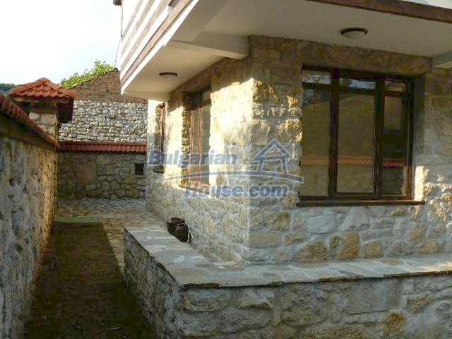12409:12 - Traditional Bulgarian house near Veliko Tarnovo. Excellent price