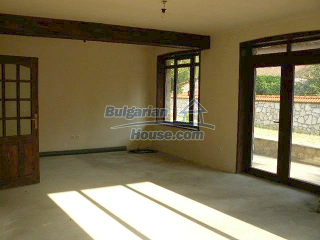 12409:16 - Traditional Bulgarian house near Veliko Tarnovo. Excellent price