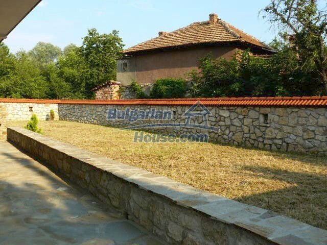 12409:10 - Traditional Bulgarian house near Veliko Tarnovo. Excellent price