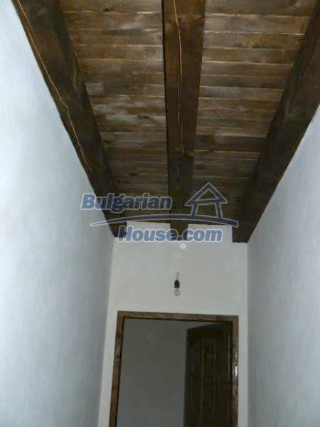 12409:20 - Traditional Bulgarian house near Veliko Tarnovo. Excellent price